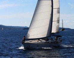 sailing-vessel-1473282_1920